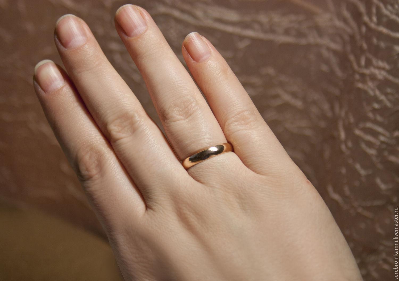 Картинка девушки с обручальным кольцом