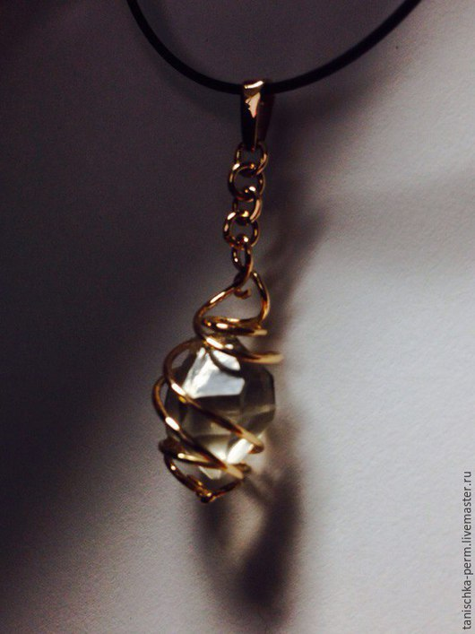Кулоны, подвески ручной работы. Ярмарка Мастеров - ручная работа. Купить кулон с алмазом херкимера. Handmade. Золотой, артефакт