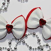 Заколки ручной работы. Ярмарка Мастеров - ручная работа Заколки: бантики с красными сердечками. Handmade.