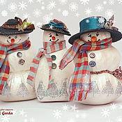 Подарки к праздникам ручной работы. Ярмарка Мастеров - ручная работа Три друга (Снеговики). Handmade.