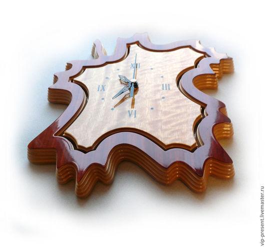 """Часы для дома ручной работы. Ярмарка Мастеров - ручная работа. Купить vip подарок Часы """"Кленовый лист"""" 1. Handmade."""