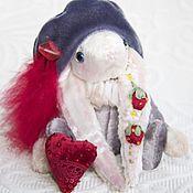 """Куклы и игрушки ручной работы. Ярмарка Мастеров - ручная работа Зайка-паж """"Спелая клубника"""". Handmade."""