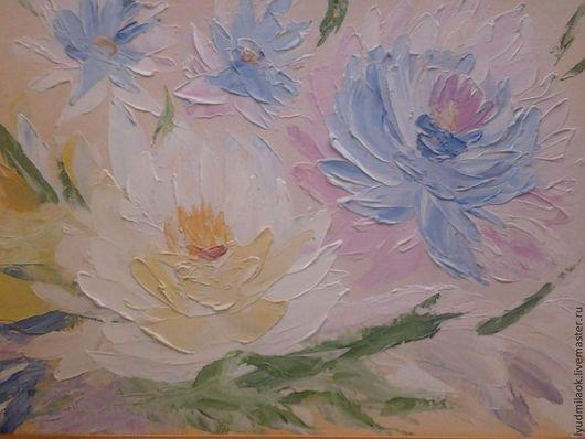 Цветок Лотоса олицетворяет в Китае чистоту, целомудрие, плодородие.