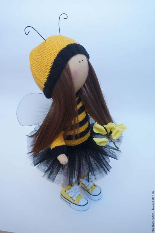 Коллекционные куклы ручной работы. Ярмарка Мастеров - ручная работа. Купить Интерьерная текстильная куколка-пчелка. Handmade. Желтый