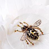 Украшения ручной работы. Ярмарка Мастеров - ручная работа Брошь - медовая пчелка. Handmade.