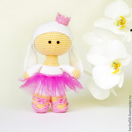 Человечки ручной работы. Ярмарка Мастеров - ручная работа. Купить Вязаная кукла.Зайка балерина (розовый, сиреневый). Handmade. Розовый