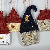 Подарки к праздникам ручной работы. Ярмарка Мастеров - ручная работа Волшебный домик, новогоднее вязанное украшение 1. Handmade.
