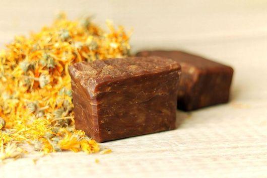 Натуральное дегтярное мыло дегтярное мыло\r\nнатуральное мыло коричневый оранжевый\r\nмыло мыло ручной работы натуральные материалы натуральная косметика