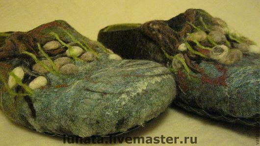 """Обувь ручной работы. Ярмарка Мастеров - ручная работа. Купить мужские валяные тапки """"Тихая заводь"""". Handmade. Подарок для мужчины"""