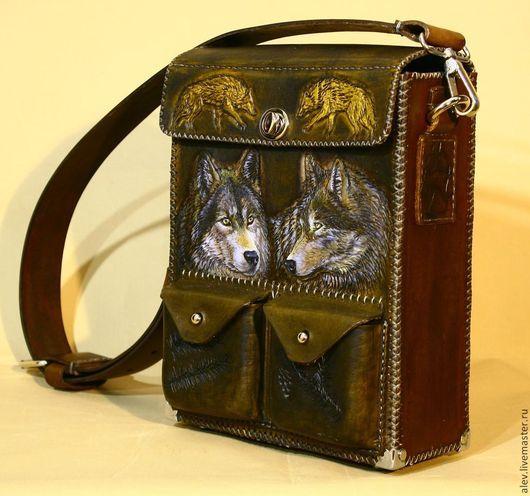 Мужские сумки ручной работы. Ярмарка Мастеров - ручная работа. Купить Авторская сумка с тиснением  волки. Handmade. Мужская сумка