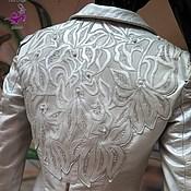 """Одежда ручной работы. Ярмарка Мастеров - ручная работа Вышивка-аппликация на кожаной куртке кожей, нитями, жемчугом """"Орхидеи"""". Handmade."""