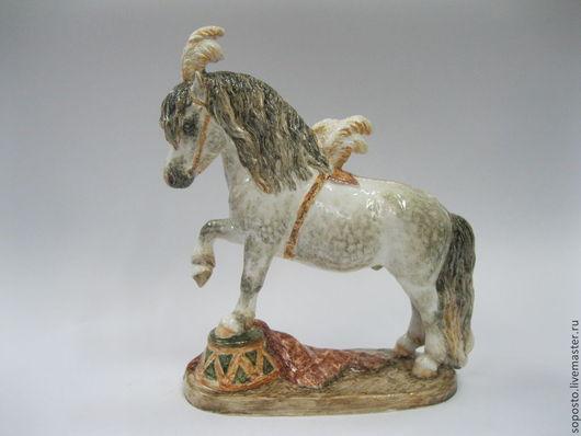 Статуэтки ручной работы. Ярмарка Мастеров - ручная работа. Купить Цирковой пони. Handmade. Скульптура, цирк, глазурь