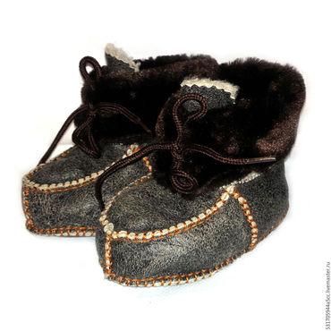 Обувь ручной работы. Ярмарка Мастеров - ручная работа детские меховые пинетки. Handmade.