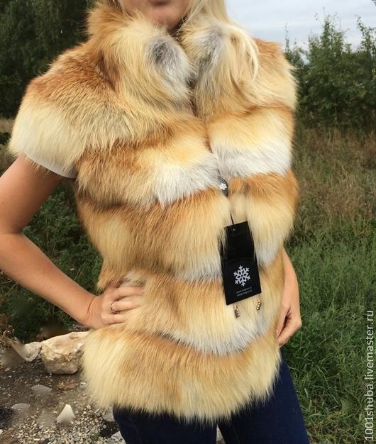 Меховая жилетка из светлой сибирской лисы, с плечиками, поперечный пошив на замше, очень красивый и мягкий) длина 60-65 см, на талии скрытая кулиска, пошив данной модели по меркам под заказ, срок пошива 5-7 дней.
