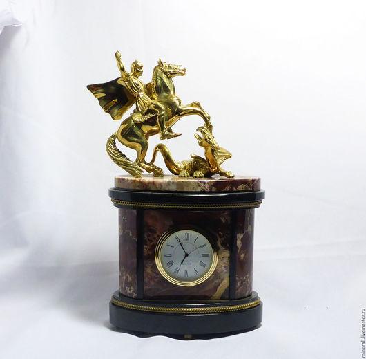 """Часы для дома ручной работы. Ярмарка Мастеров - ручная работа. Купить """"Москва""""  часы из яшмы. Handmade. Бордовый, часы из камня"""