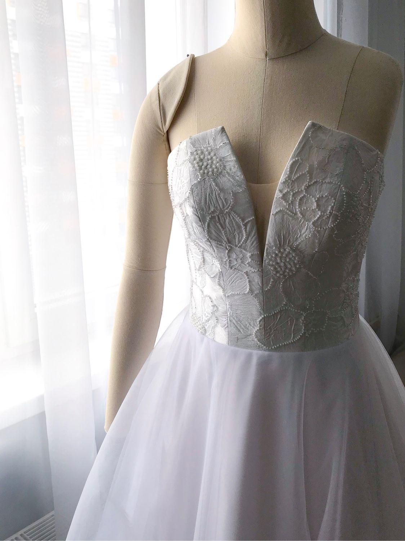 Свадебное платье со шлейфом корсет расшит бисером, Платья, Москва,  Фото №1