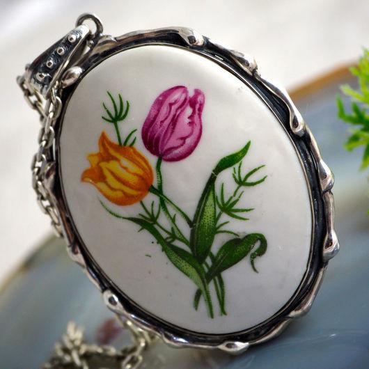 """Кулоны, подвески ручной работы. Ярмарка Мастеров - ручная работа. Купить Кулон """"Тюльпаны"""" - фарфор, серебро 925. Handmade."""