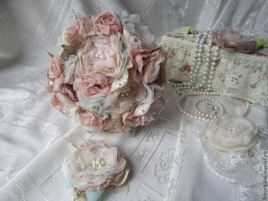 """Свадебные цветы ручной работы. Ярмарка Мастеров - ручная работа. Купить Брошь-букет невесты """"Розы"""". Handmade. Брошь-букет"""