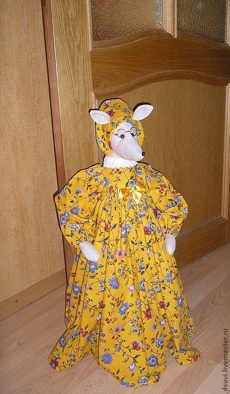 """Игрушки животные, ручной работы. Ярмарка Мастеров - ручная работа. Купить Мышь """"Василиса"""" - фиксатор двери. Handmade. Желтый"""