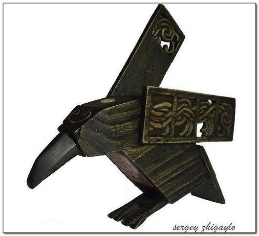 """Статуэтки ручной работы. Ярмарка Мастеров - ручная работа. Купить Талисман """"Медный Ворон"""" (хранитель семьи). Handmade. Из дерева"""