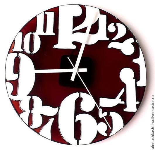 """Часы для дома ручной работы. Ярмарка Мастеров - ручная работа. Купить Часы настенные """"Ничего лишнего"""". Handmade. Бордовый, лаконичный"""