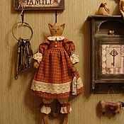 Куклы и игрушки ручной работы. Ярмарка Мастеров - ручная работа Кошка с рыбкой... Handmade.