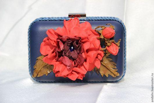 """Женские сумки ручной работы. Ярмарка Мастеров - ручная работа. Купить Кожаный клатч с цветком """"El piano de rosa"""". Handmade."""
