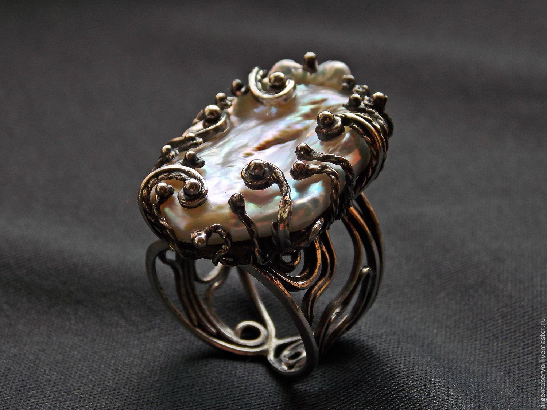Шикарное кольцо с крупным натуральным и необыкновенным жемчугом