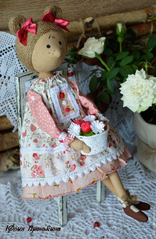 Куклы тыквоголовки ручной работы. Ярмарка Мастеров - ручная работа. Купить Куколка интерьерная гномочка Брусничка - подарок на 8 марта девочке. Handmade.