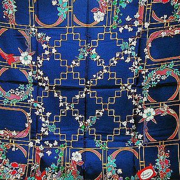 Винтаж ручной работы. Ярмарка Мастеров - ручная работа Платок Gucci International Chic темно-синий 90х90 см. Handmade.