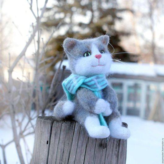 Игрушки животные, ручной работы. Ярмарка Мастеров - ручная работа. Купить Кот Сеня в ожидании весны. Валяная игрушка из шерсти. Handmade.
