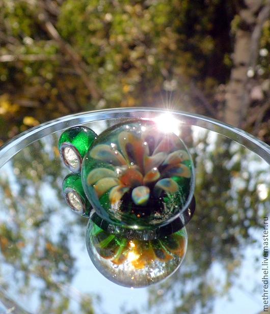 Кулоны, подвески ручной работы. Ярмарка Мастеров - ручная работа. Купить Кулон лэмпворк Лесной цветок. Handmade. Зеленый, кулон