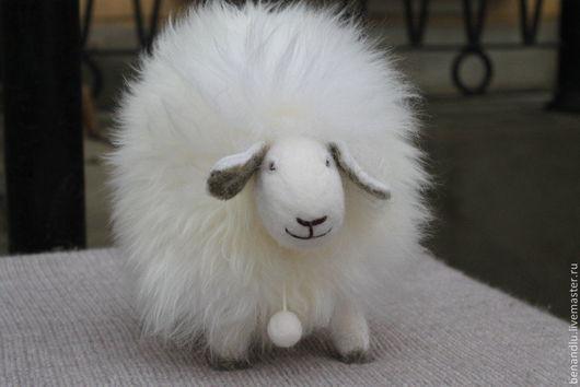 Игрушки животные, ручной работы. Ярмарка Мастеров - ручная работа. Купить Музыкальная овечка. Handmade. Белый, музыкальный подарок