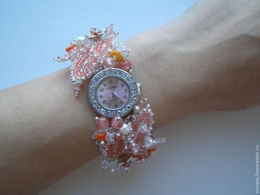 """Часы ручной работы. Ярмарка Мастеров - ручная работа. Купить Часы """"Нежность"""". Handmade. Бежевый, часы-браслет, часы с кораллом"""