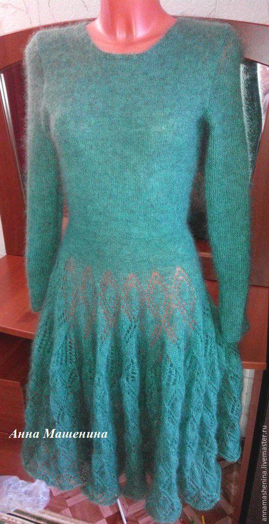 Платья ручной работы. Ярмарка Мастеров - ручная работа. Купить Платье из кидмохера. Handmade. Зеленый, вязание на заказ, длинное платье