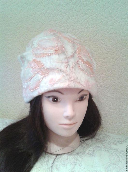 Валяная шапка `Нежность`, шерсть 100 %.  Авторская работа Марины Маховской. Головные уборы ручной работы.