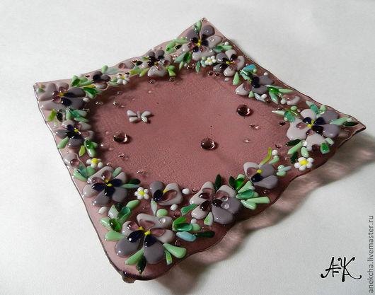 """Тарелки ручной работы. Ярмарка Мастеров - ручная работа. Купить Фьюзинг, тарелка """"Фиалковая"""". Handmade. Фьюзинг, тарелка, розовая, посуда"""