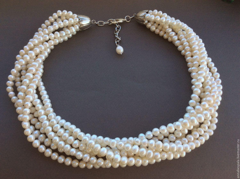 Ожерелья из нескольких ниток жемчуга фото
