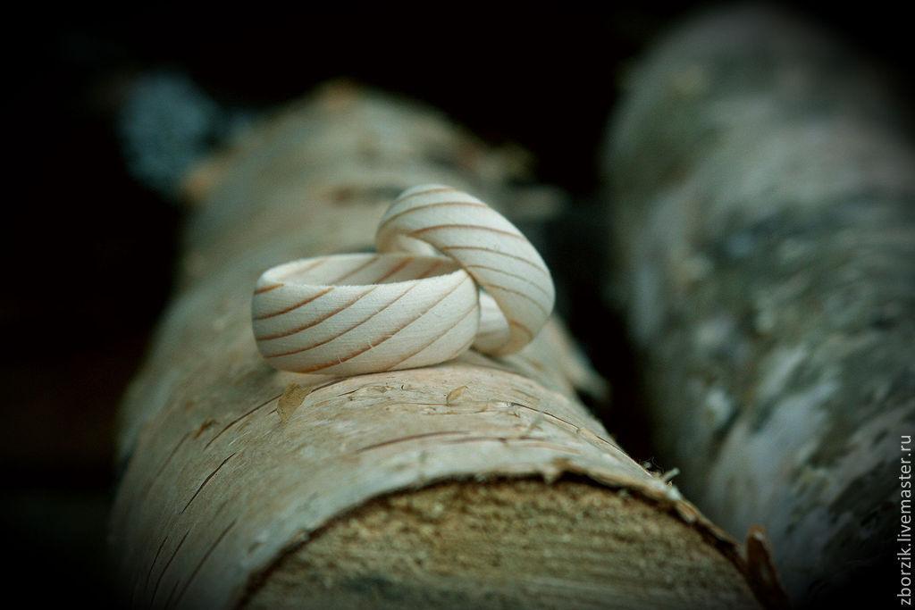 деревянные кольца из сосны. стоимость: 2000 пара