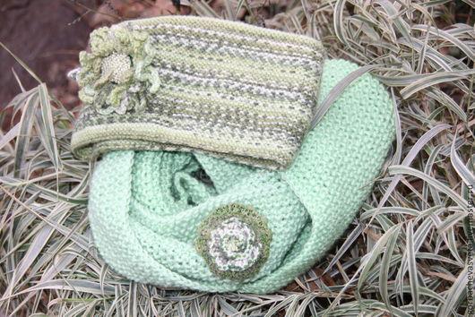 """Шали, палантины ручной работы. Ярмарка Мастеров - ручная работа. Купить Снуд """"Весенняя зелень"""" (подарок маме, сестре, подруге). Handmade."""