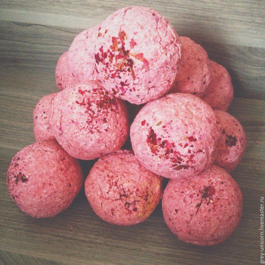 """Бомбы для ванны ручной работы. Ярмарка Мастеров - ручная работа. Купить """"Виноградные листья после дождя"""": бомбочка для ванны. Handmade."""