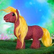 Куклы и игрушки ручной работы. Ярмарка Мастеров - ручная работа Миниатюрная лошадка-тяжеловозик Бенни. Handmade.