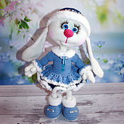Мягкие игрушки ручной работы. Ярмарка Мастеров - ручная работа Зайка Лиза. Снегурочка. Заяц вязаный. Handmade.