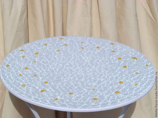 """Мозаичный кофейный столик """"Солнечные зайчики"""" - оригинальный подарок родным, друзьям или себе, будет прекрасно смотреться в различных интерьерах. \r\nСерия """"Все оттенки белого"""""""
