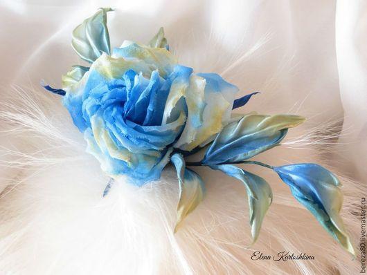 Броши ручной работы. Ярмарка Мастеров - ручная работа. Купить Брошь из шелка Синяя роза. Цветы из шелка.. Handmade. Голубой
