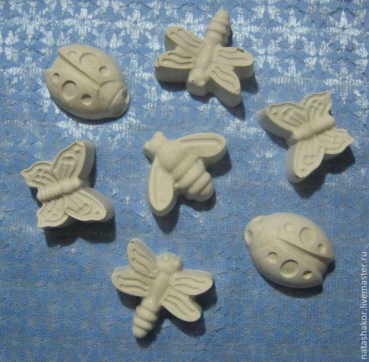 Божьи коровки, стрекозы, пчелки из гипса для детского творчества. Гипсовые фигурки применяются для детского творчества в качестве раскрасок.