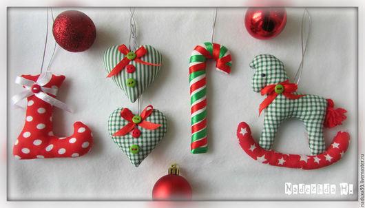 Новый год 2017 ручной работы. Ярмарка Мастеров - ручная работа. Купить Подарочный набор ёлочных украшений из ТКАНИ. Handmade. Зеленый
