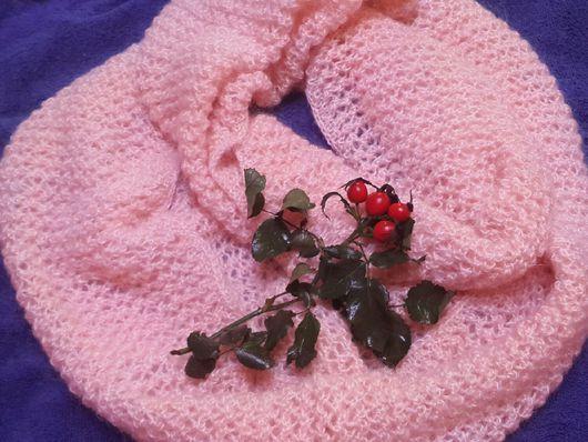 Шали, палантины ручной работы. Ярмарка Мастеров - ручная работа. Купить Снуд женский  мохеровый нежно-розовый. Handmade. Однотонный