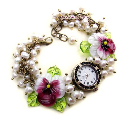 """Часы ручной работы. Ярмарка Мастеров - ручная работа. Купить """"Малиновый десерт"""" часы с бусинами лэмпворк. Handmade. Часы"""