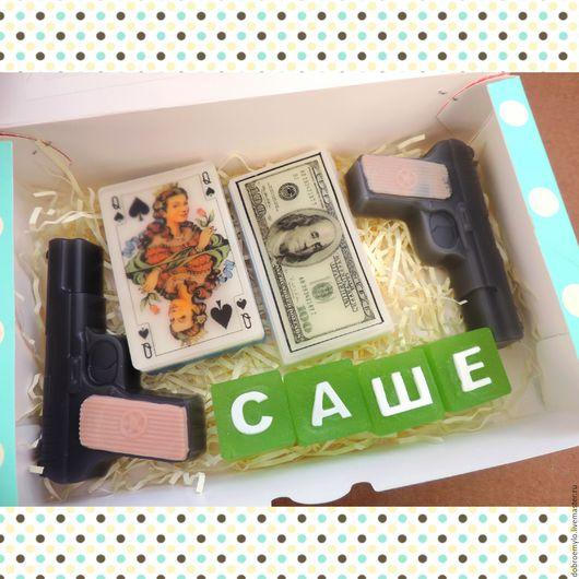 """Подарочные наборы косметики ручной работы. Ярмарка Мастеров - ручная работа. Купить подарочный набор мыла ручной работы """"Карты, деньги, два ствола"""". Handmade."""